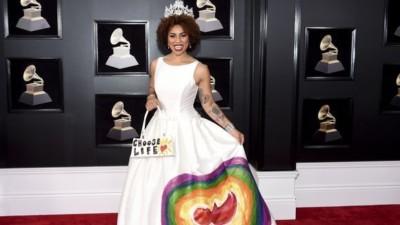 Grammys top dresses. 4