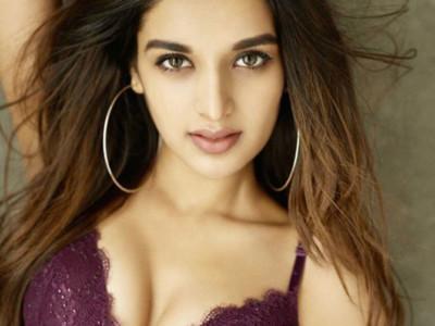 Nidhhi Agerwal shoot