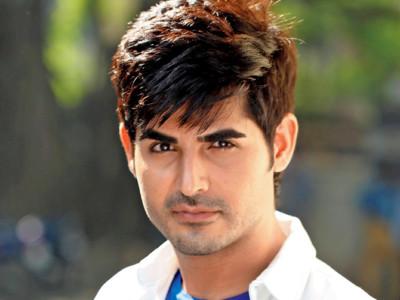 Omkar Kapoor z