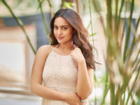 Sonakshi Sinha roped in to feature in Hindi remake of Aapla Manus