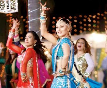 Urvashi Rautela dance