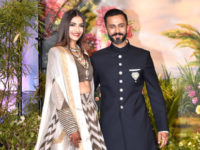 WHAT Sonam Kapoor Anand Ahuja trapped