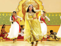 Gauahar Khan Dances Wearing A 12-Kilo Costume And Nails It To Perfection
