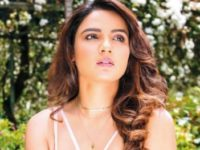 Jasmin Bhasin Sends Fans Into Tizzy With Her Bold Photos