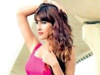 Singer Akasa Singh To Debut As TV Host