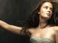 Emily Blunt Sends Out Powerful Message For Girls