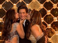 Shah Rukh Khan Gets Kiss From Wife Gauri Khan And Daughter Suhana Khan