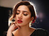Mahira Khan thanks fans for love, prayers on her 36th birthday